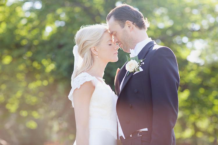 Romantisk bröllopsfotografering Villa Pauli, Stockholm