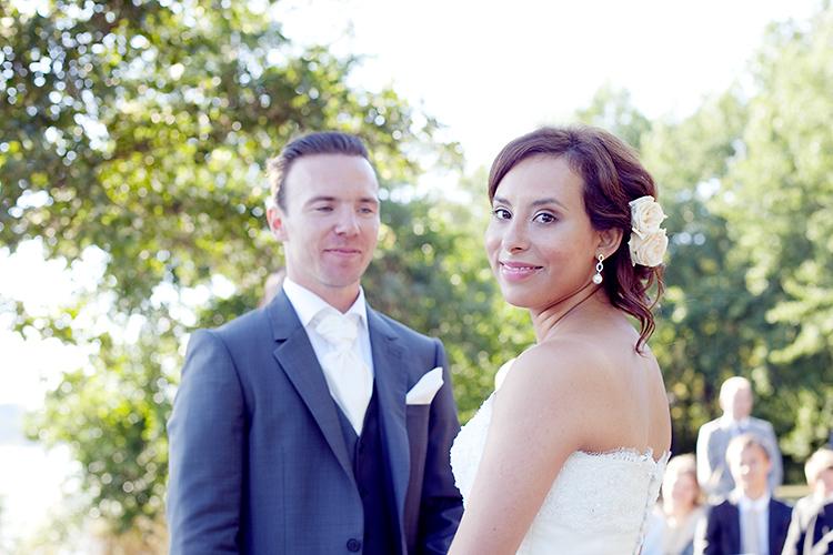 Bröllopsfotografering utomhus i Sollentuna