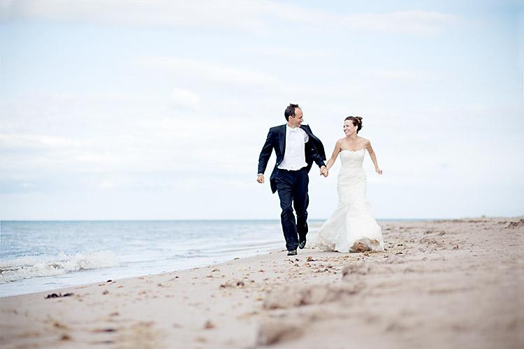 Vackra romantiska bröllopsbilder på Gotland