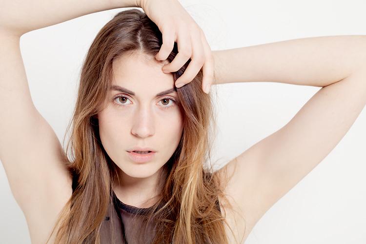Modell fotad av Jessica Lund i studio