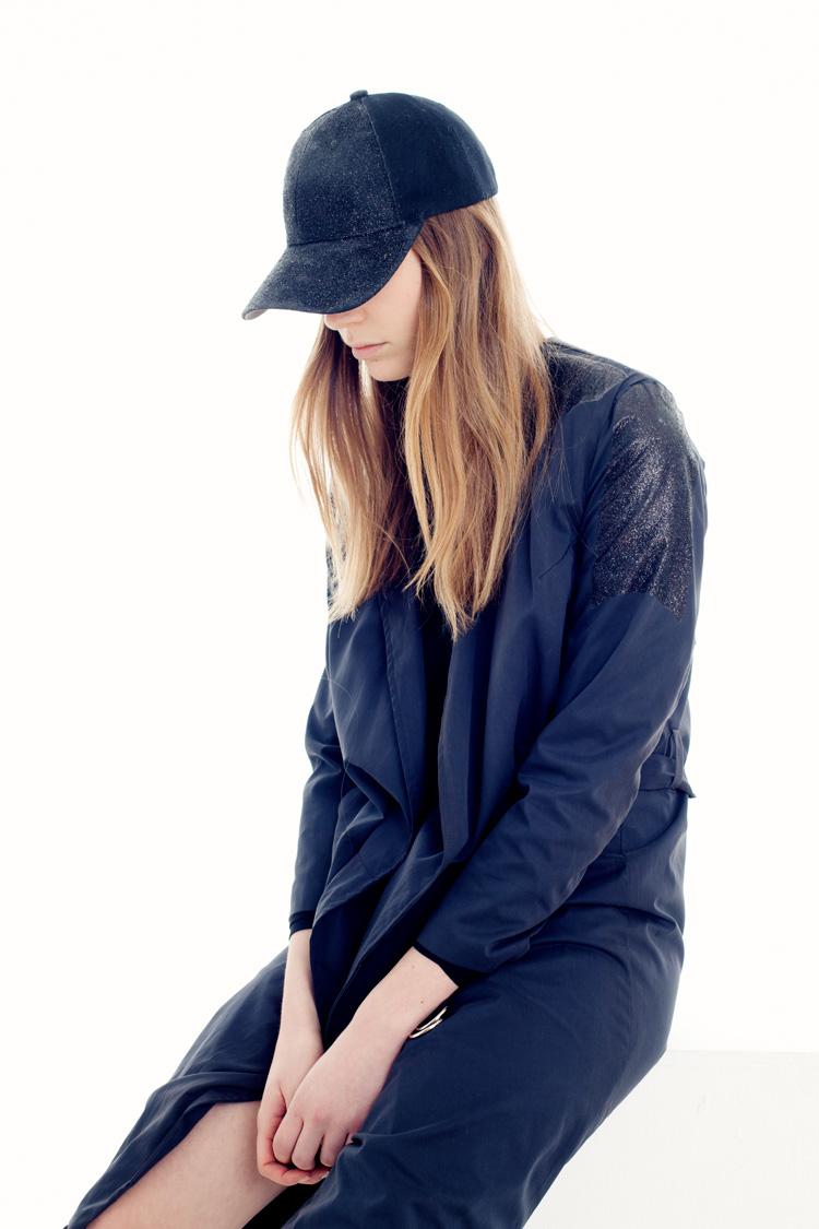Modefotografering i studio fotograferad av modefotograf Jessica Lund Stockholm