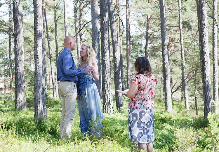 utomhusvigsel i skog i Sandhamn