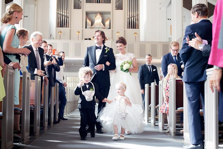 fotograf bröllop kyrka