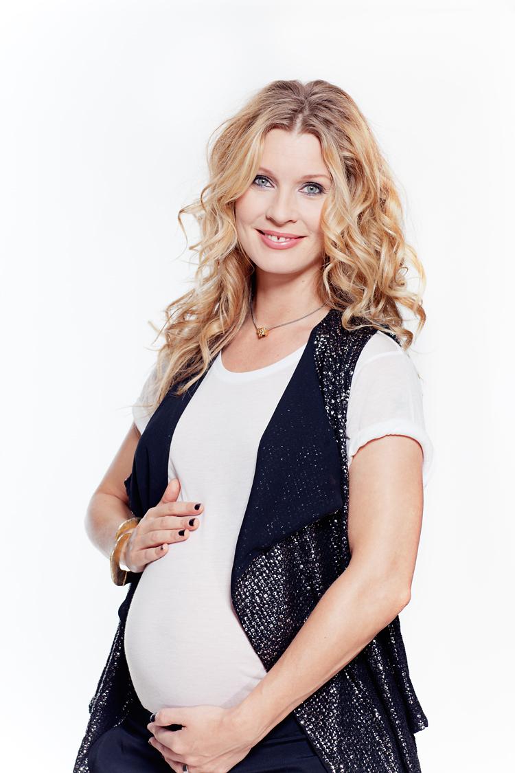 Pernilla Andersson fotograferad av Jessica Lund för tidningen Mama