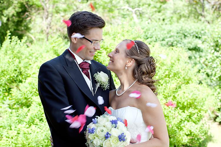 rosenblad på bröllop