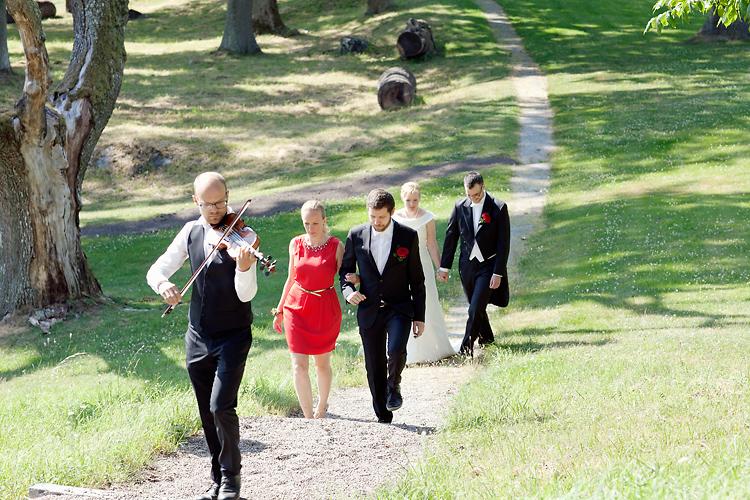 folkmusiker på bröllop