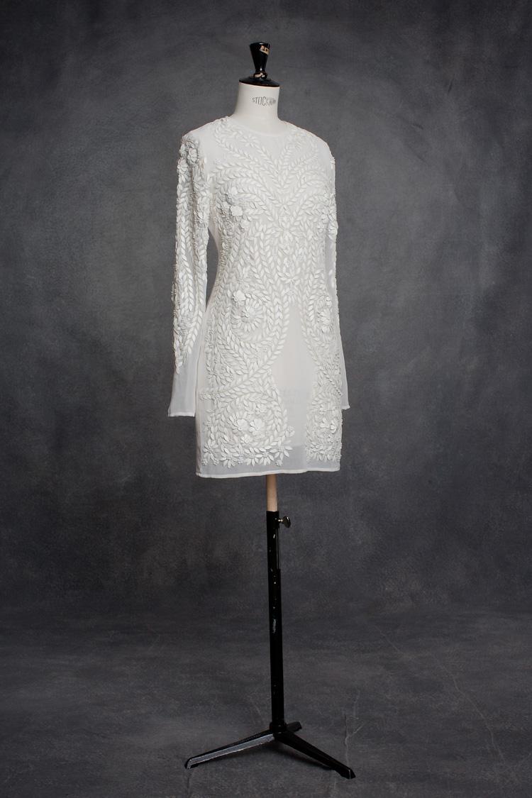 Yvette Hass modern brudklänning