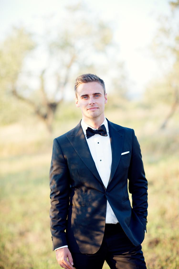 Brudgum fotograferad i Toscana, Jessica Lund