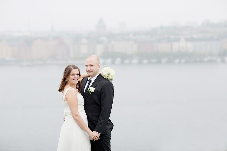 Dimma bröllopsfoton på Södermalm i Stockholm