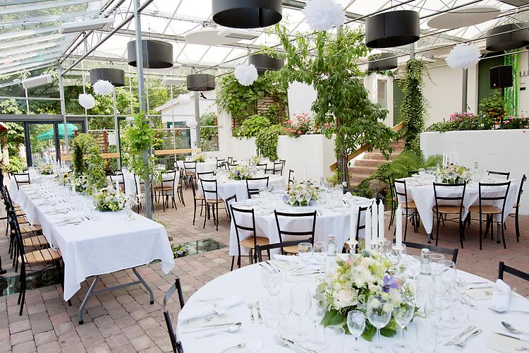 bröllop på Flickorna Lundgren i Skåne, Helsingborg, dukning i Västhus