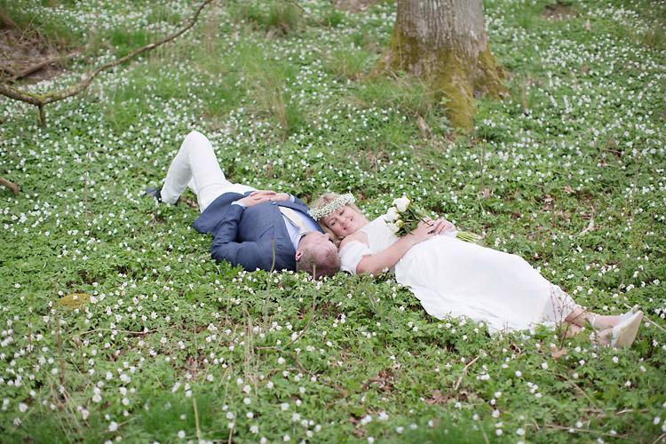 Vårbröllop vitsippor