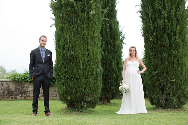 bröllopsfotografering vid cypress i Toscana