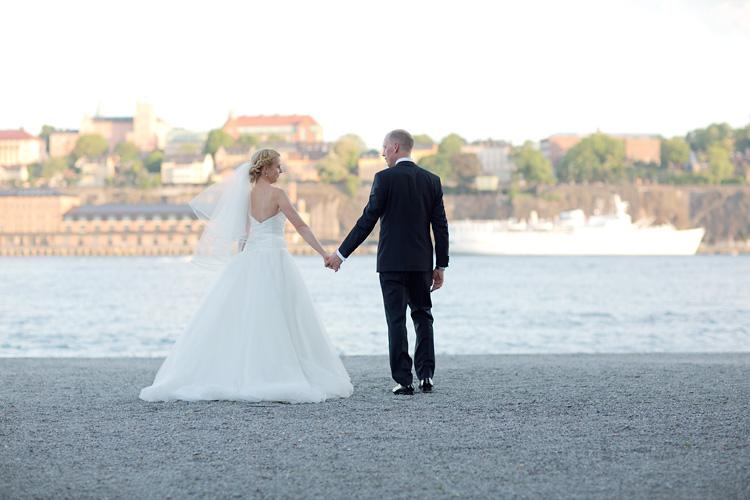 Brudpar på Skeppsholmen med vy mot Södermalm