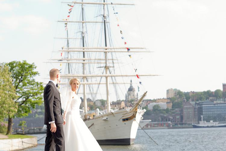 Bröllopsfotografering vid Chapman på Skeppsholmen