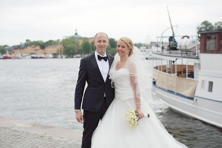 Brudpar på Nybrokajen i Stockholm