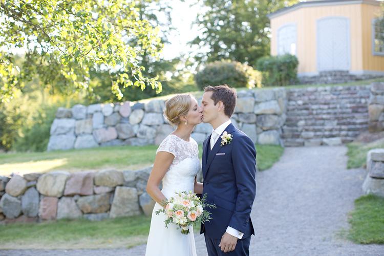 Kyss på bröllop i Stockholm