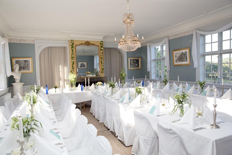 Dukning bröllop i Nyckelvikens spegelsal